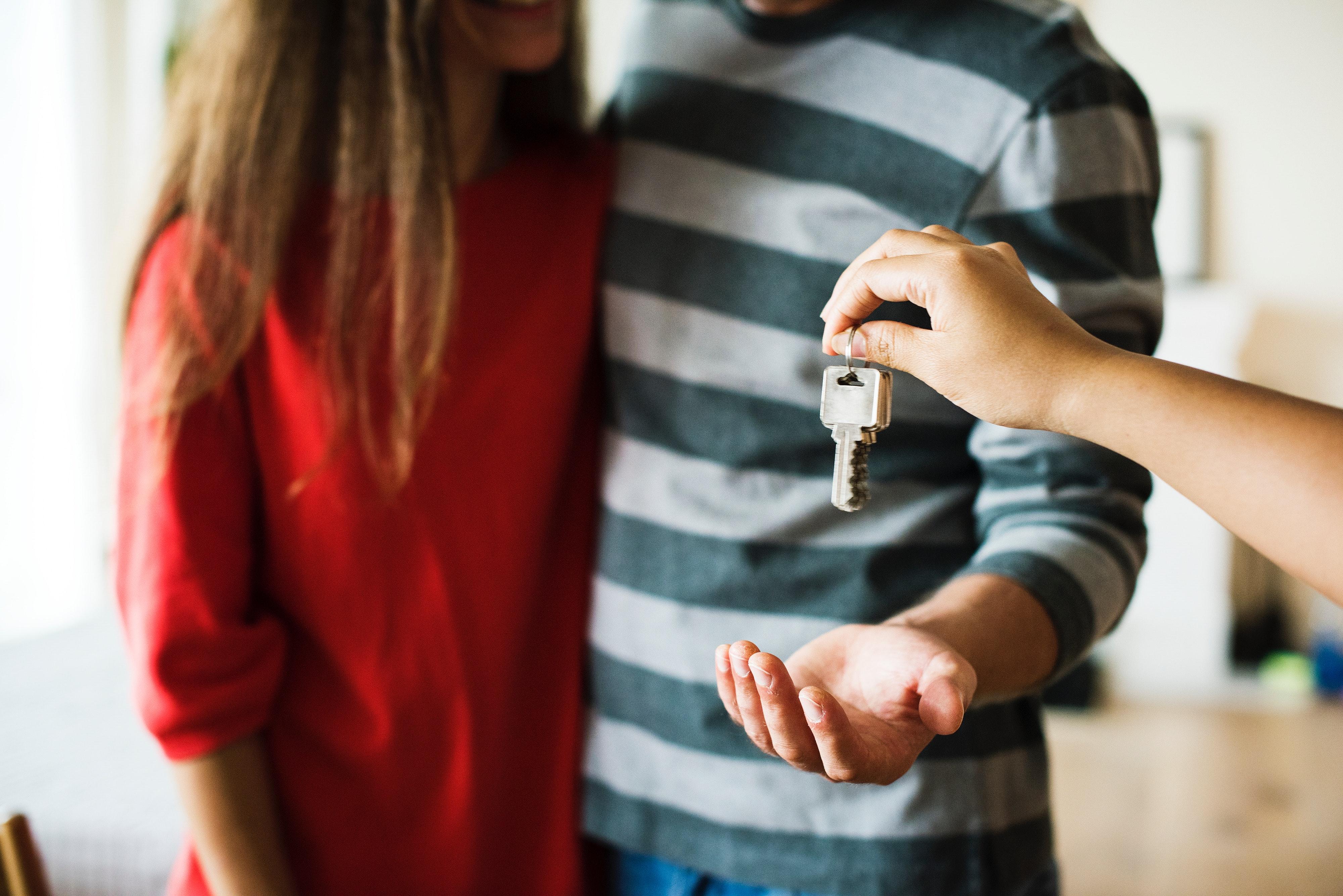 Jak sprzedać zadłużoną nieruchomość?